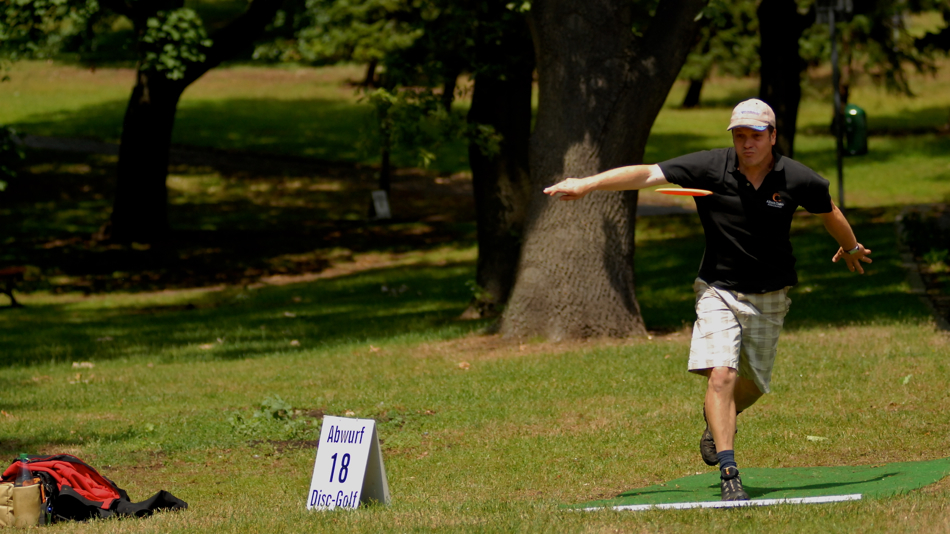 George Braun (Germany) on his way to winning Masters at the 2011 Berlin Open. Great style.