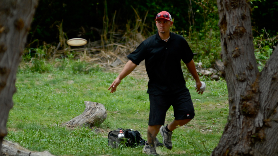 PDGA Pro Worlds 2011 in Californa: Approach shot somewhere at Pinto Lake.