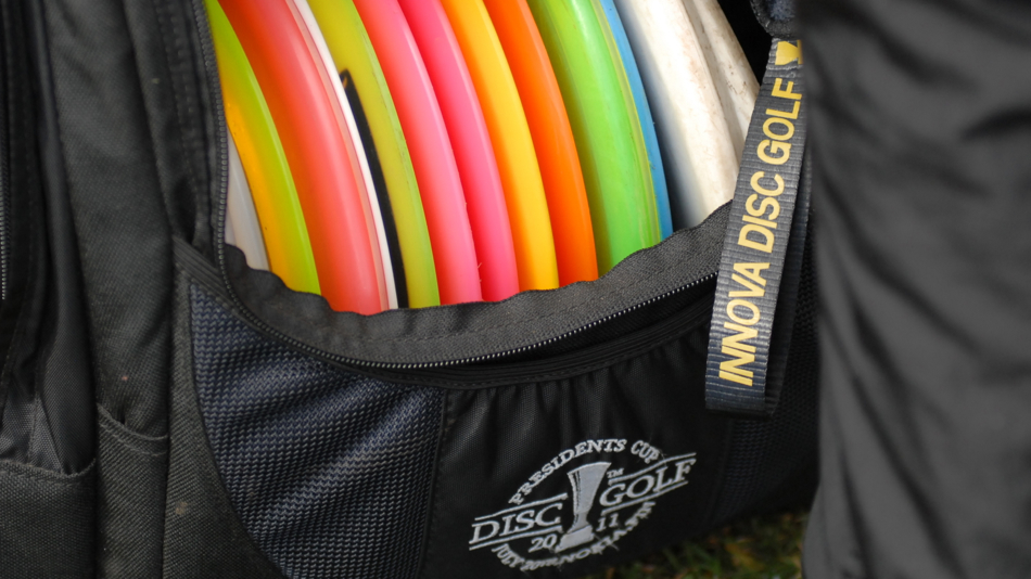 What's in your bag? Jussi Meresmaa's bag is loaded with Discmania, of course