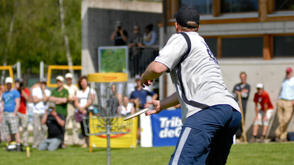 Ville Piippo putting for the win in Geneva 2012. He missed the putt but won by a large margin anyway.