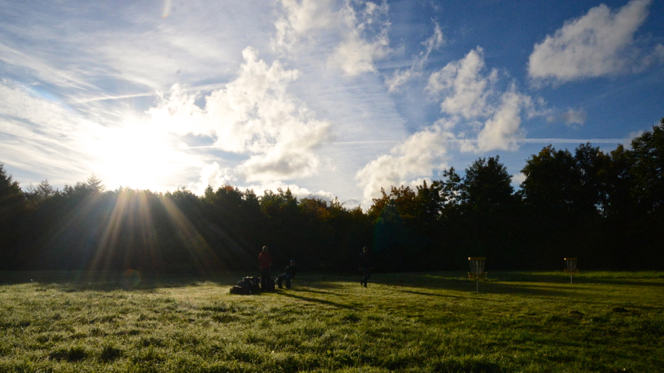 Morning at the disc golf course.