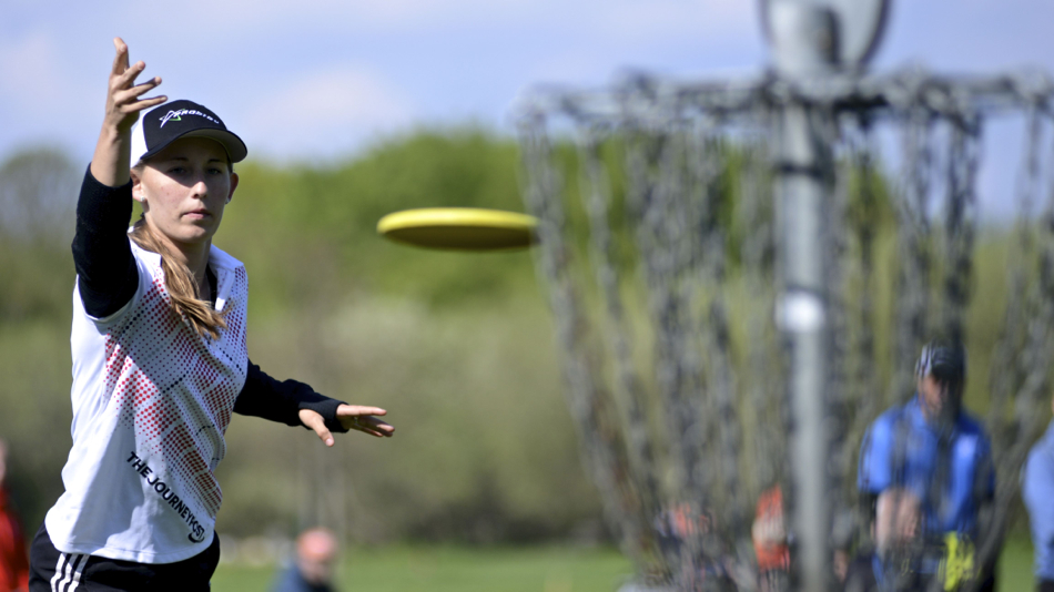 The winning putt. Last throw for Paige Pierce at the Copenhagen Open 2013, a PDGA major.